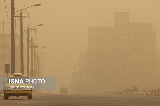 طوفان گردو غبار در آبادان