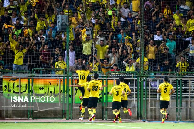 هفته چهارم لیگ برتر  دیدار تیم های ذوب آهن و سپاهان