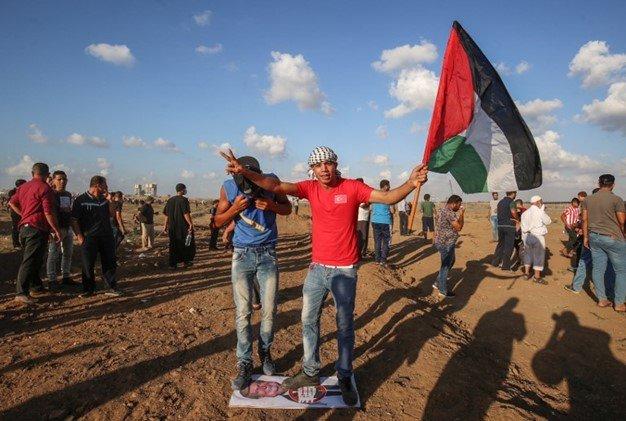 تظاهرات غزه و آتش زدن عروسک ترامپ
