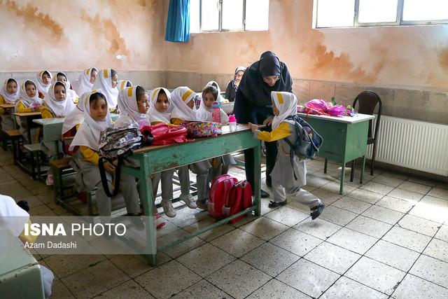 جشن شکوفهها در مدرسه شهیدی قزوین