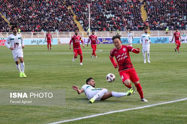 هفته دوازدهم لیگ برتر فوتبال - دیدار تیمهای تراکتورسازی و ذوب آهن اصفهان