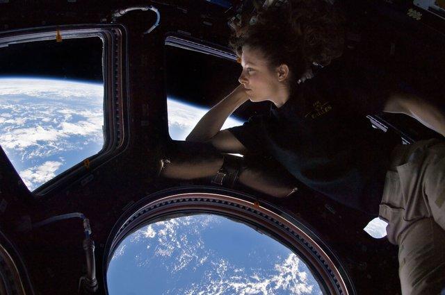 دریچه ایستگاه فضایی