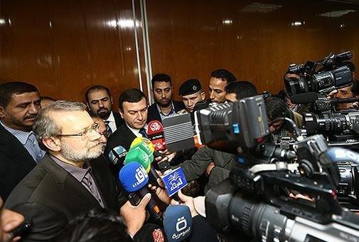 لاریجانی در جمع خبرنگاران
