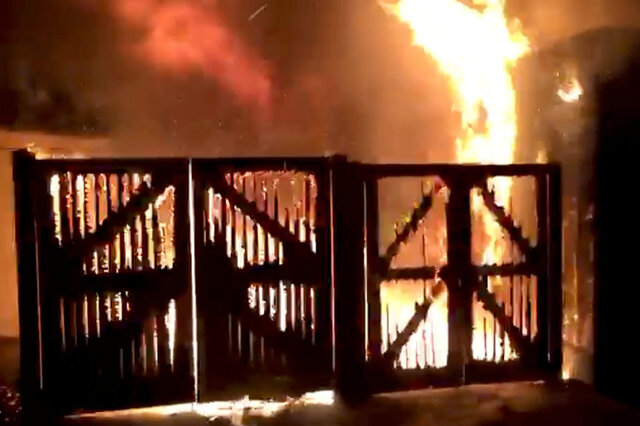 آتش سوزی باغ وحش انگلیس