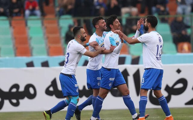 تیم فوتبال استقلال - داریوش شجاعیان