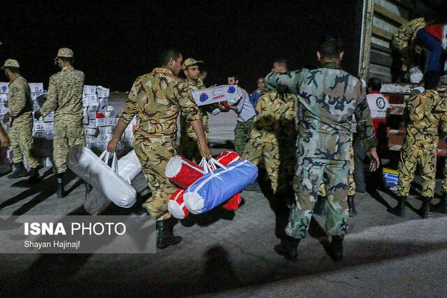ورود هواپیمای ارتش حامل محموله اقلام کمکی به سیل زدگان خوزستان
