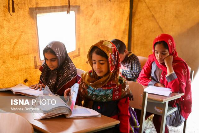 کلاس درس در چادرهای منطقه سیلزده «خسرج»