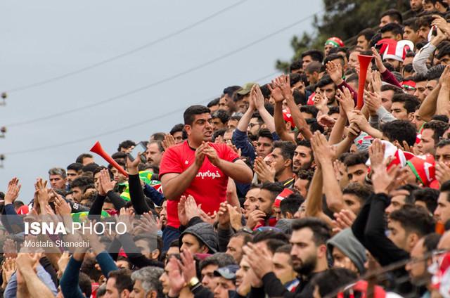 دیدار تیمهای فوتبال خونه به خونه بابل و برق جدید شیراز