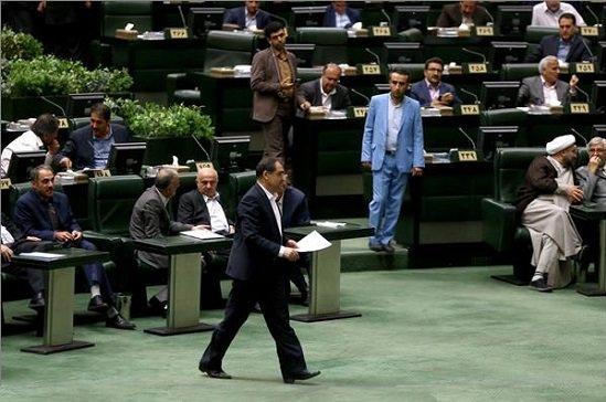 قاضیزاده وزیر بهداشت در مجلس