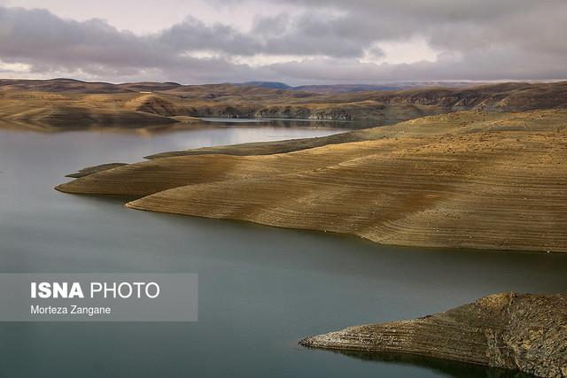 کاهش سطح آب سد زاینده رود