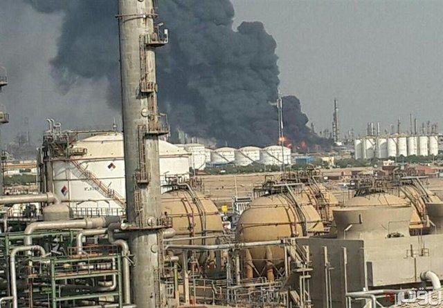 آتش سوزی در پتروشیمی آبادان