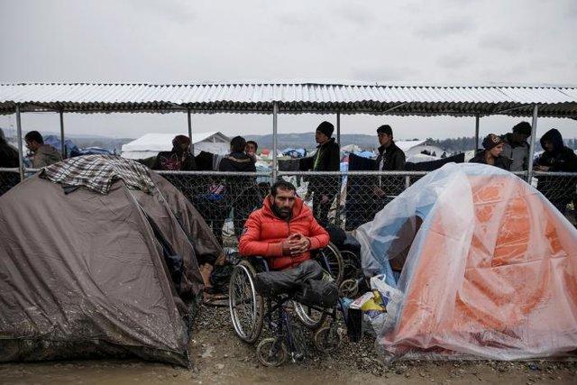 پناهنده مهاجر پناهجو معلول