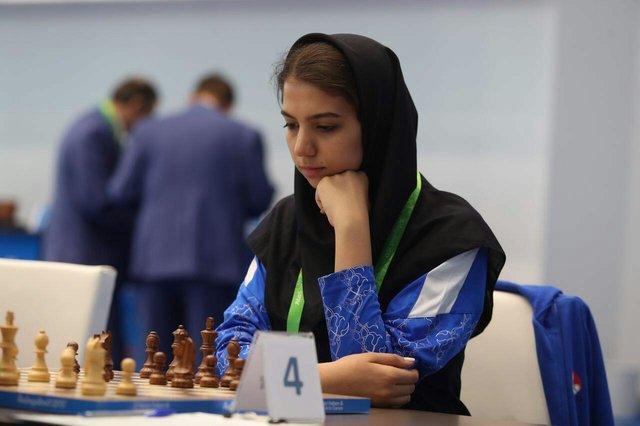 سارا خادم الشریعه - شطرنج داخل سالن آسیا