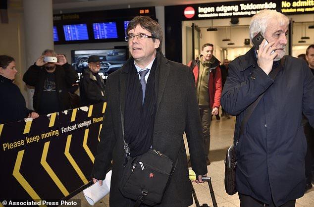 پوجدمون در فرودگاه دانمارک