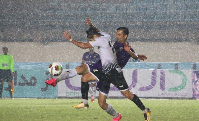 دیدار تیمهای کارون اروند خرمشهر و شاهین شهرداری بوشهر لیگ دسته یک فوتبال