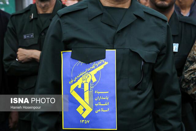 راهپیمایی نمازگزاران جمعه شیراز در حمایت از سپاه