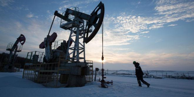 کاهش تولید نفت