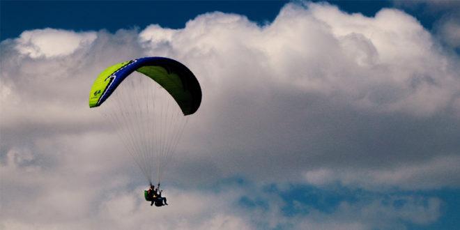 پرواز با پاراگلایدر