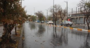 رگبار باران و صاعقه