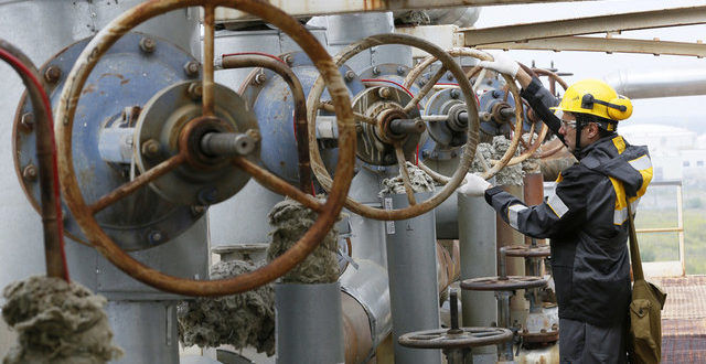 ادامه بحران نفت کثیف برای لهستان