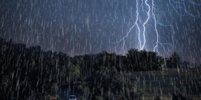 بارش باران و رعد و برق در استان مازندران