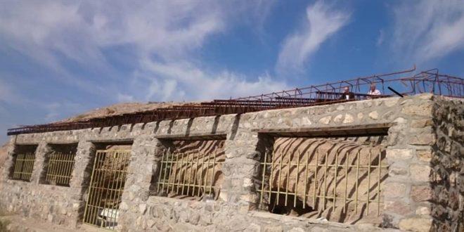 ساخت ورودی غار گلستان