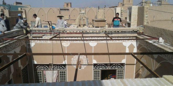 نصب شیروانی در بافت تاریخی یزد