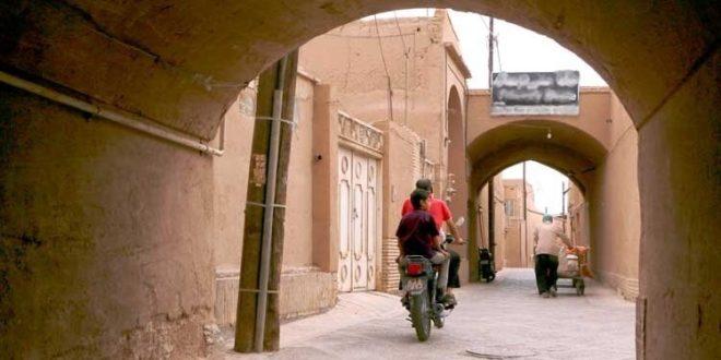 تردد موتورسیکلتها در بافت تاریخی استان یزد