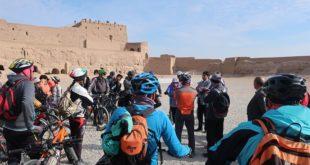 رکاب زنی دوچرخهسواران یزدی در بافت تاریخی