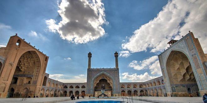ایوان شرقی مسجد جامع عتیق اصفهان