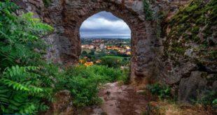 سفالهای قلعه تاریخی صلصال تالش