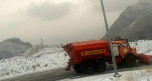 برفروبی و پاکسازی جادههای استان مرکزی