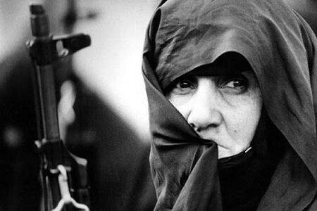 زن گیلانی رزمنده در لنگرود