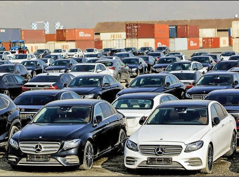 گزارش - مجلس گوش خودروسازان بی کیفیت را پیچاند/ مجوز ورود خودروهای خارجی صادر شد